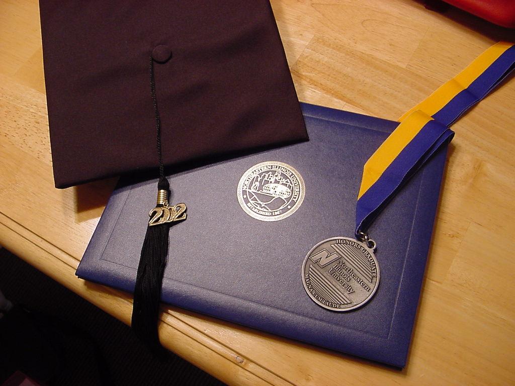 Dyplom i medal – czyli co otrzymują laureaci pokojowej Nagrody Nobla